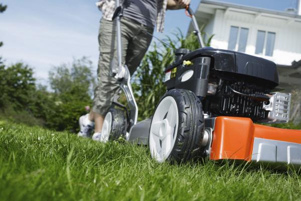 Mulching vs Collecting – Which is Better?