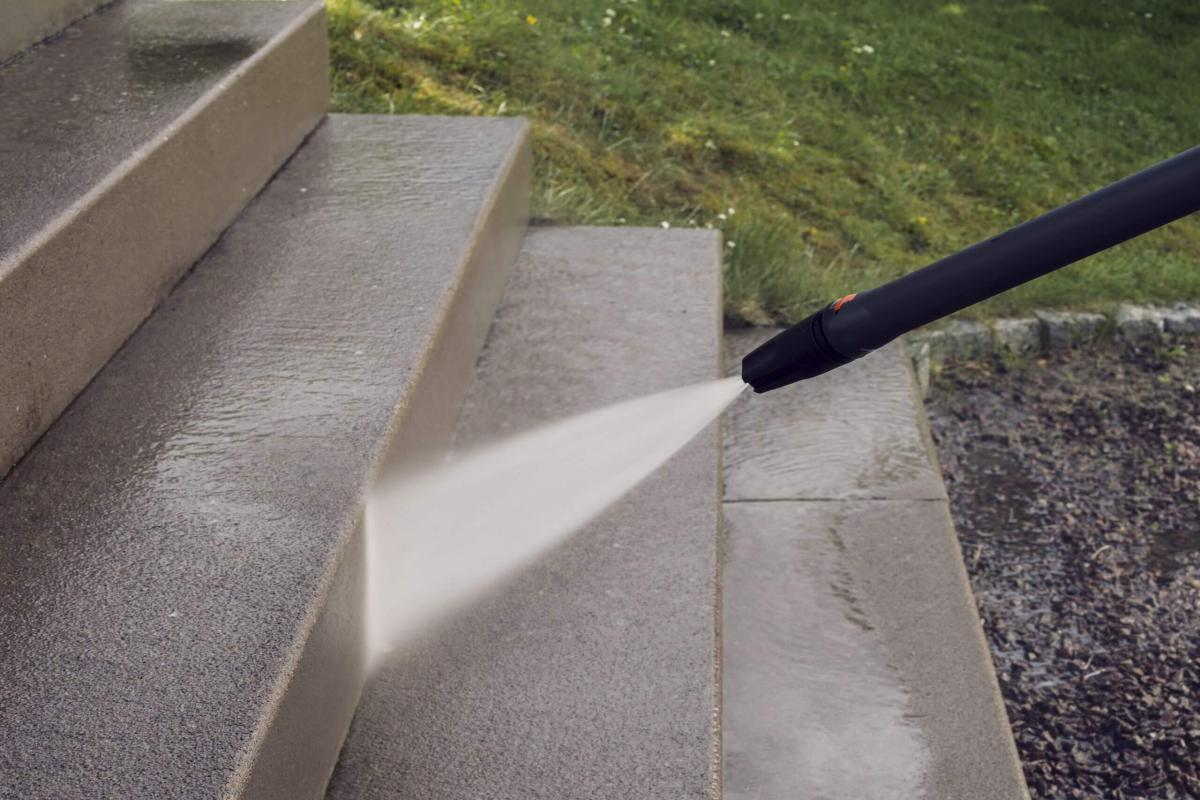 Tips for Pressure Washing in the Winter